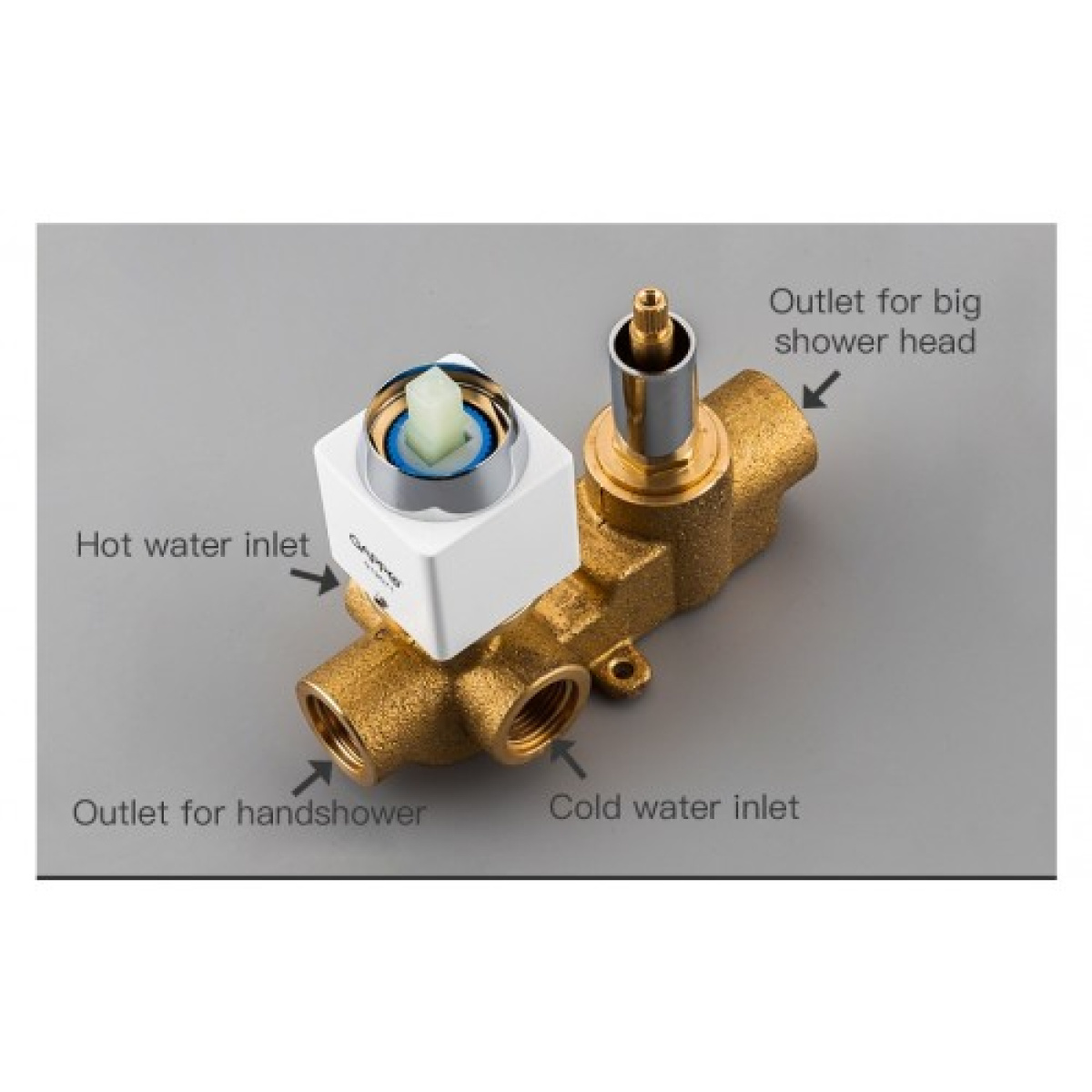 Встроенный смеситель для ванны с 3-функциями излив является переключателем на лейку белый/хром gappo g7117-8